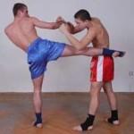 Боковой удар ногой. Техника «мидл кика»(middle kick).